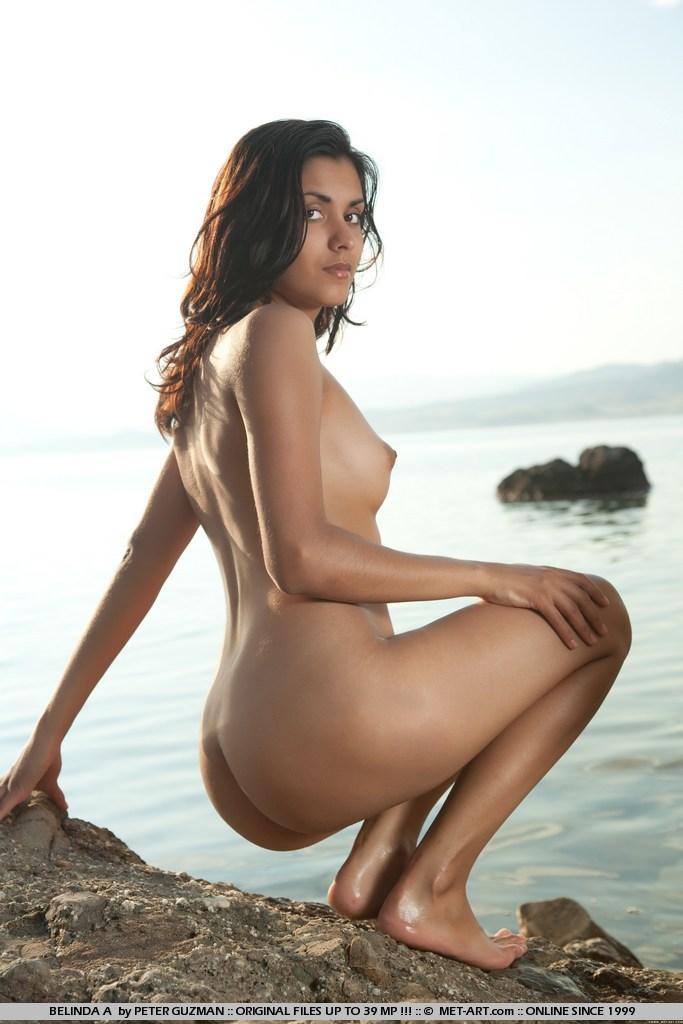 Belinda Fibula  nackt