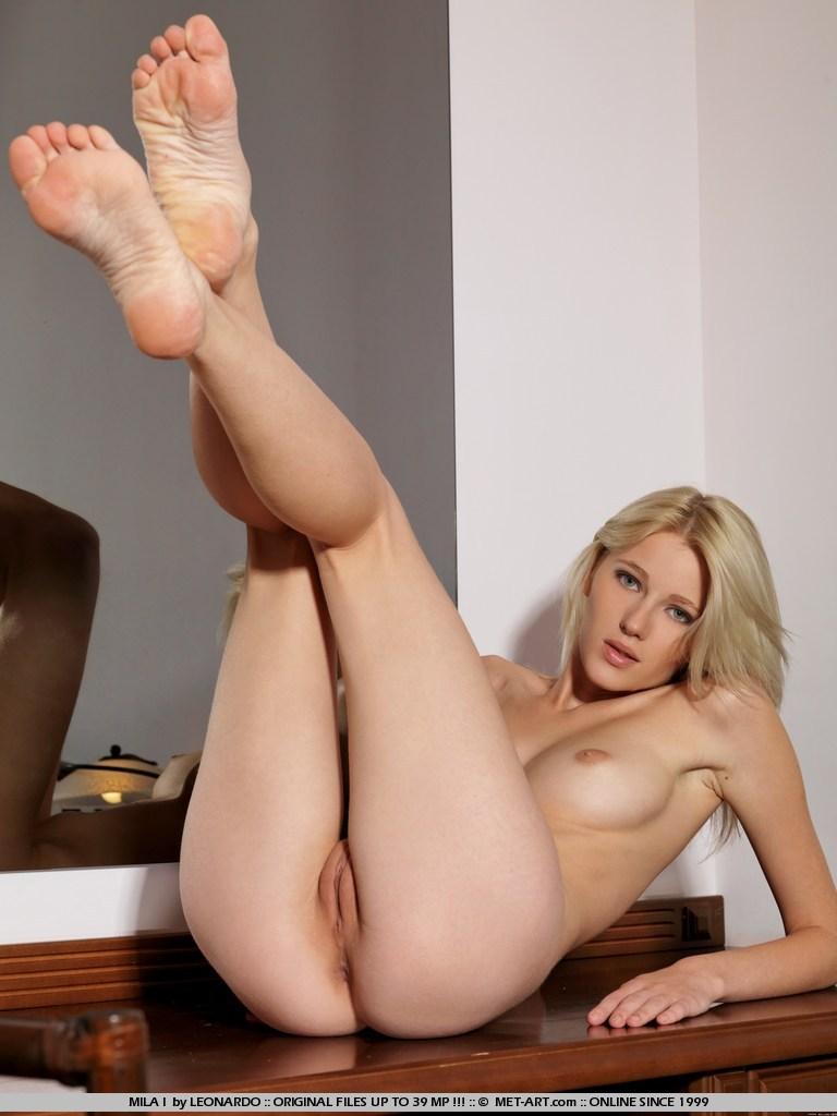 by leonardo   still photo nudes cz beautiful young european girls