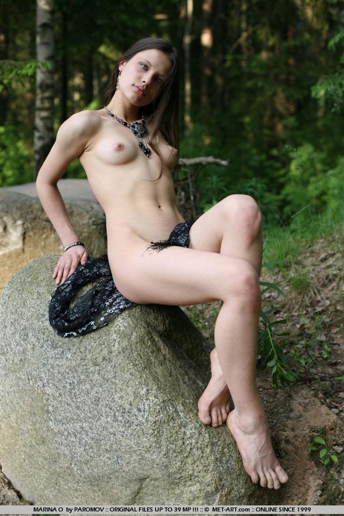 nude-metart-marina
