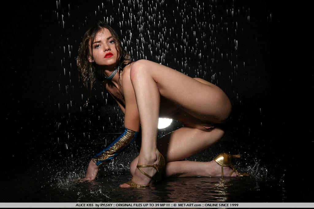Nude japanese rain — img 14