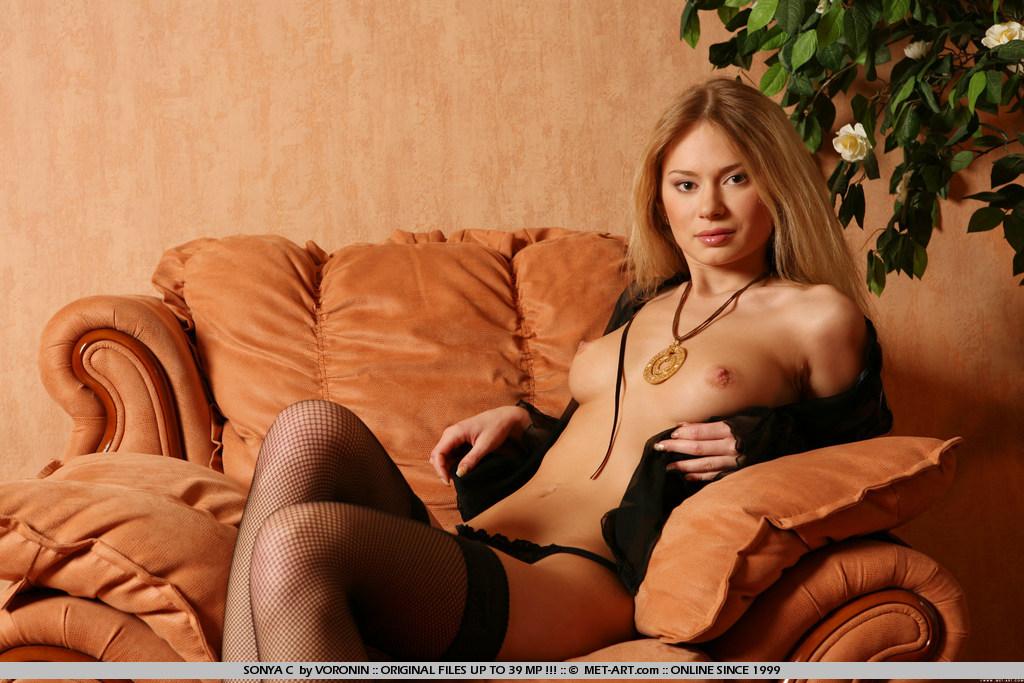 фото с сайта evilangel.com