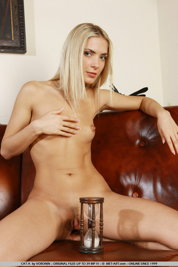 可愛い女の裸の画像YouTube動画>5本 ->画像>7905枚