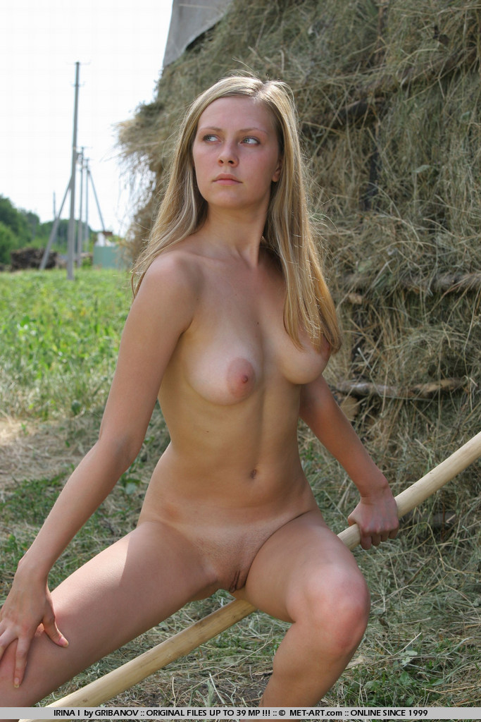 Nude Farm Girls Hay