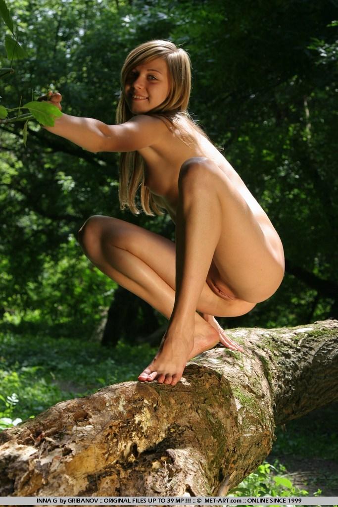 inna g nude in erotic presenting inna gallery   metart