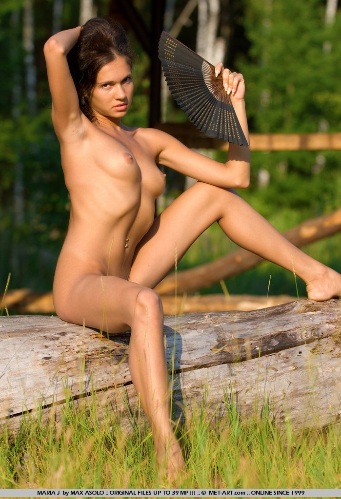 Slender model goes out on safari to catch some hot and sexy.