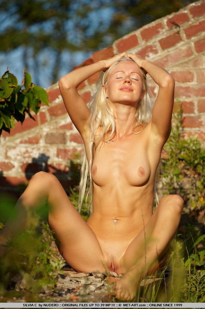 hot sexy naked pics of girls ripped pussy