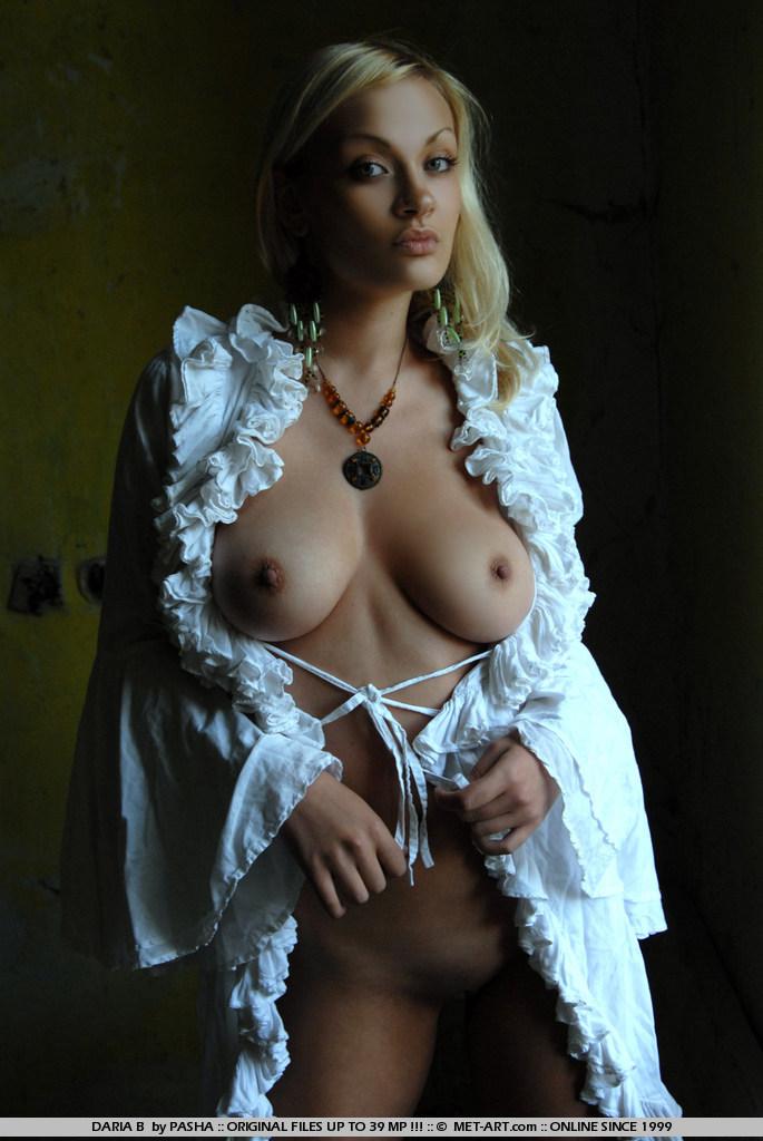 Секс девушки призрака 13 фотография