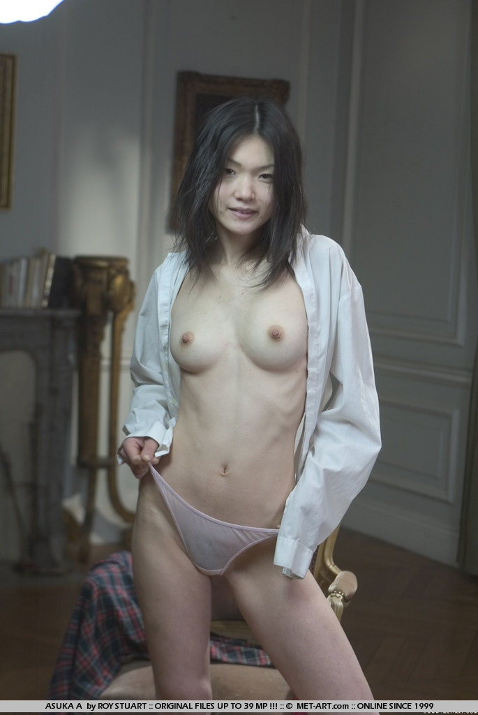 Classic Roy Stuart does an ultra sexy school girl shoot with racy Asian hotty.