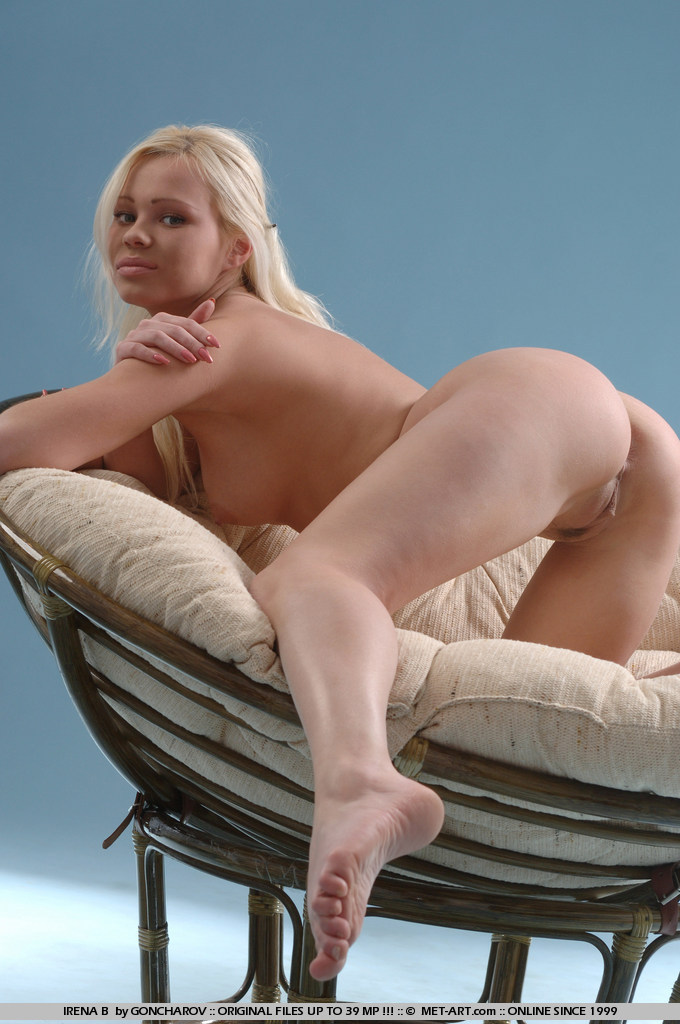 Missionary position show