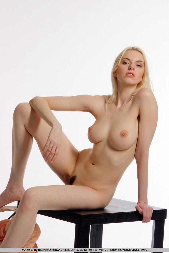 Free nude female model