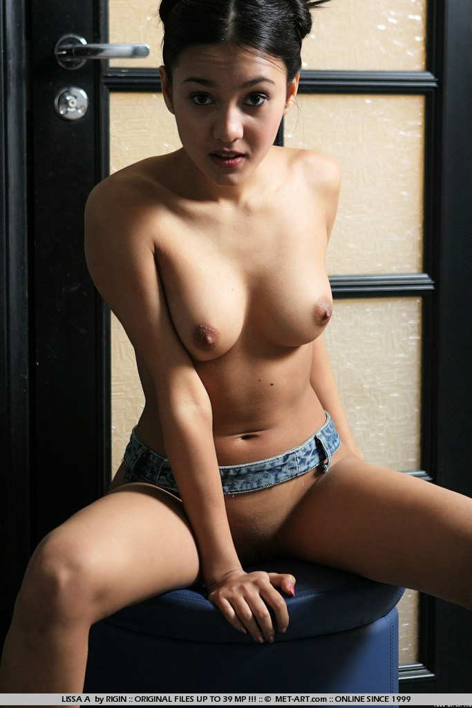 Gonzo barely girls from singapore nude shaver